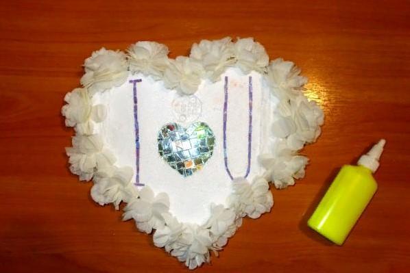 वेलेंटाइन डे के लिए DIY इसे अपने बच्चों के लिए करते हैं: 14 फरवरी चरण 102 को शिल्प के सबसे सुंदर विचार