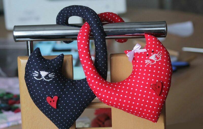 वेलेंटाइन दिवस के लिए DIY बच्चों के लिए अपने हाथों से: 14 फरवरी चरण 76 को शिल्प के सबसे सुंदर विचार