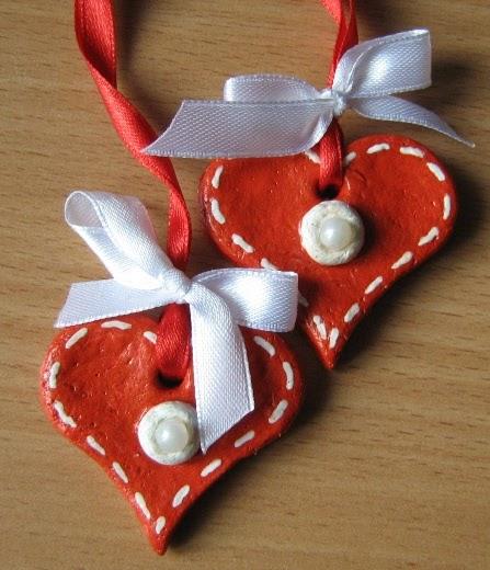 वेलेंटाइन दिवस के लिए DIY बच्चों के लिए अपने हाथों के साथ: 14 फरवरी चरण 17 को शिल्प के सबसे सुंदर विचार