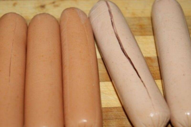 Saucisses dans Test & # 8212; 6 recettes pour la cuisson dans l'étage du four 19