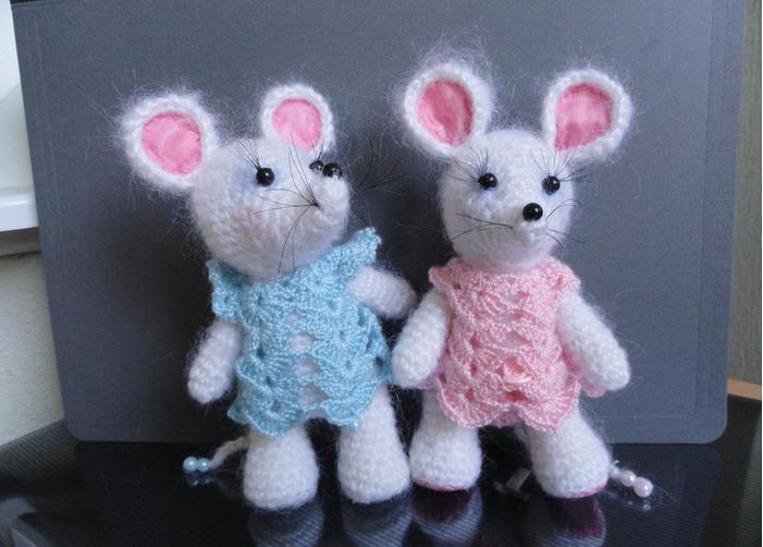Πλέκω ποντίκια και αρουραίοι με διαγράμματα και περιγραφές. Amigurumi παιχνίδι μάθημα για αρχάριους στάδιο 102