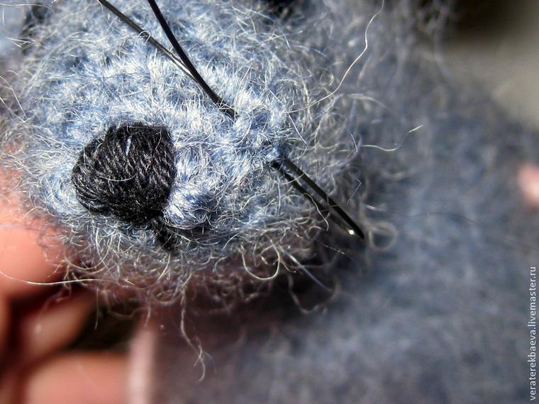 Πλέκω ποντίκια και αρουραίοι με διαγράμματα και περιγραφές. Amigurumi παιχνίδια μάστερ για αρχάριους στάδιο 15