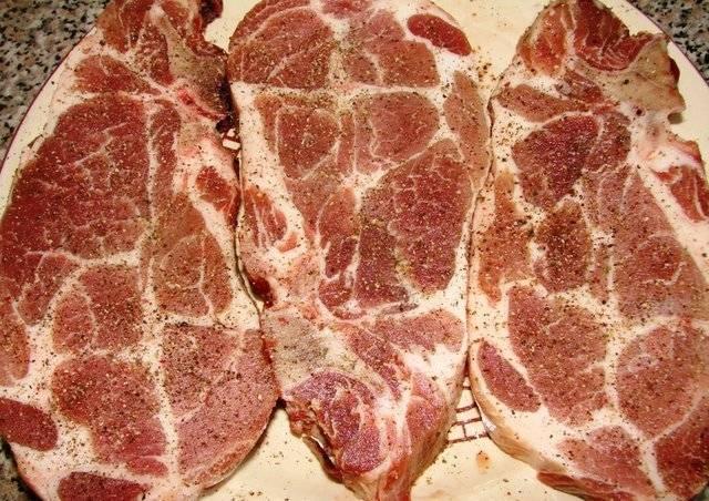 Carne de porco em uma frigideira: 9 Receitas simples e saborosa Estágio 1