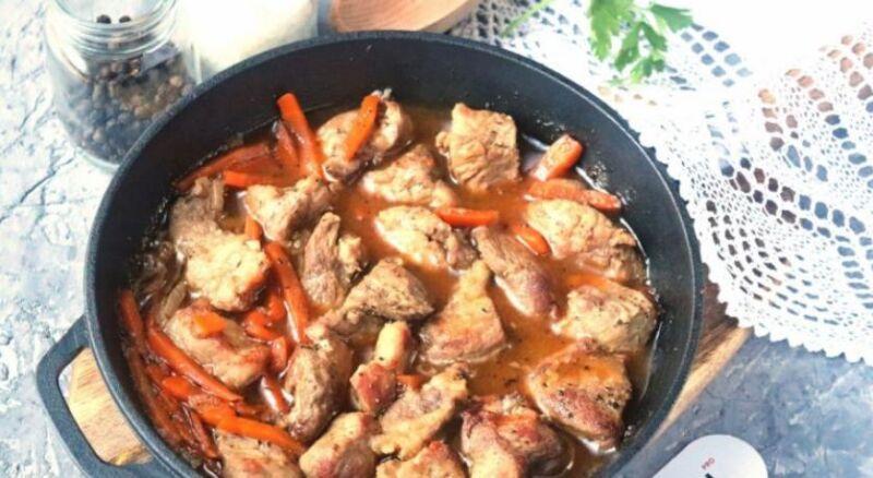 Carne de porco em uma frigideira: 9 Receitas simples e deliciosas Estágio 31