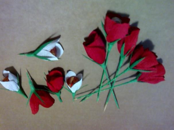 Paper Flowers & # 8212; Mga scheme at mga template para sa paglikha ng mga kulay ng papel na yugto 165.