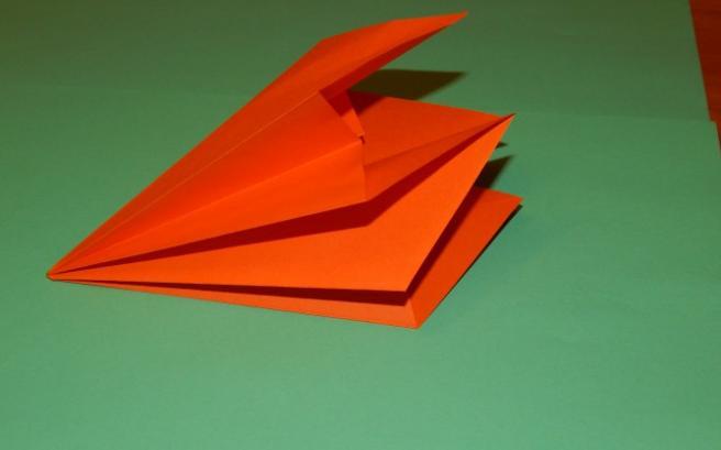 Paper Flowers & # 8212; Mga scheme at mga template para sa paglikha ng mga kulay ng papel na yugto 92.