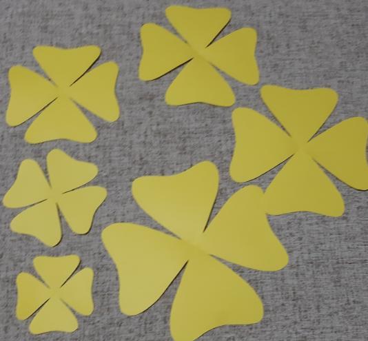 Paper Flowers & # 8212; Mga scheme at mga template para sa paglikha ng mga kulay ng papel na yugto 23.