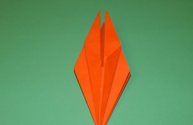 Paper Flowers & # 8212; Mga scheme at mga template para sa paglikha ng mga kulay ng papel na yugto 106.