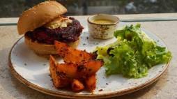 beetroot, feta and walnuts burger