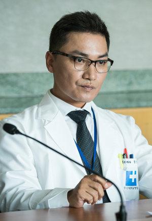 胸部外科-心臓を盗んだ医師たち