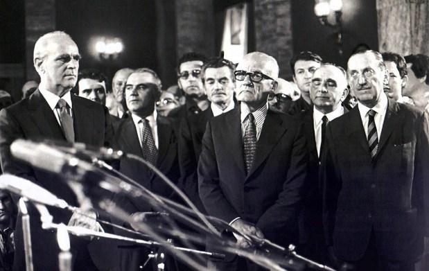 Γιατί ο Καραμανλής το 1974 προτίμησε την ατίμωση;