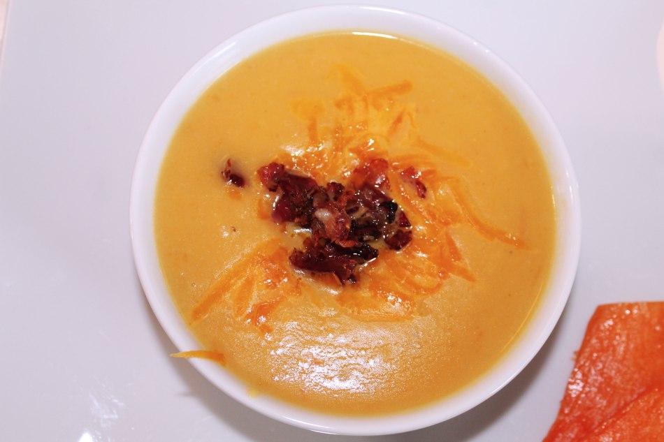 Rezept Kürbiscremesuppe mit Cheddar Käse & Speck
