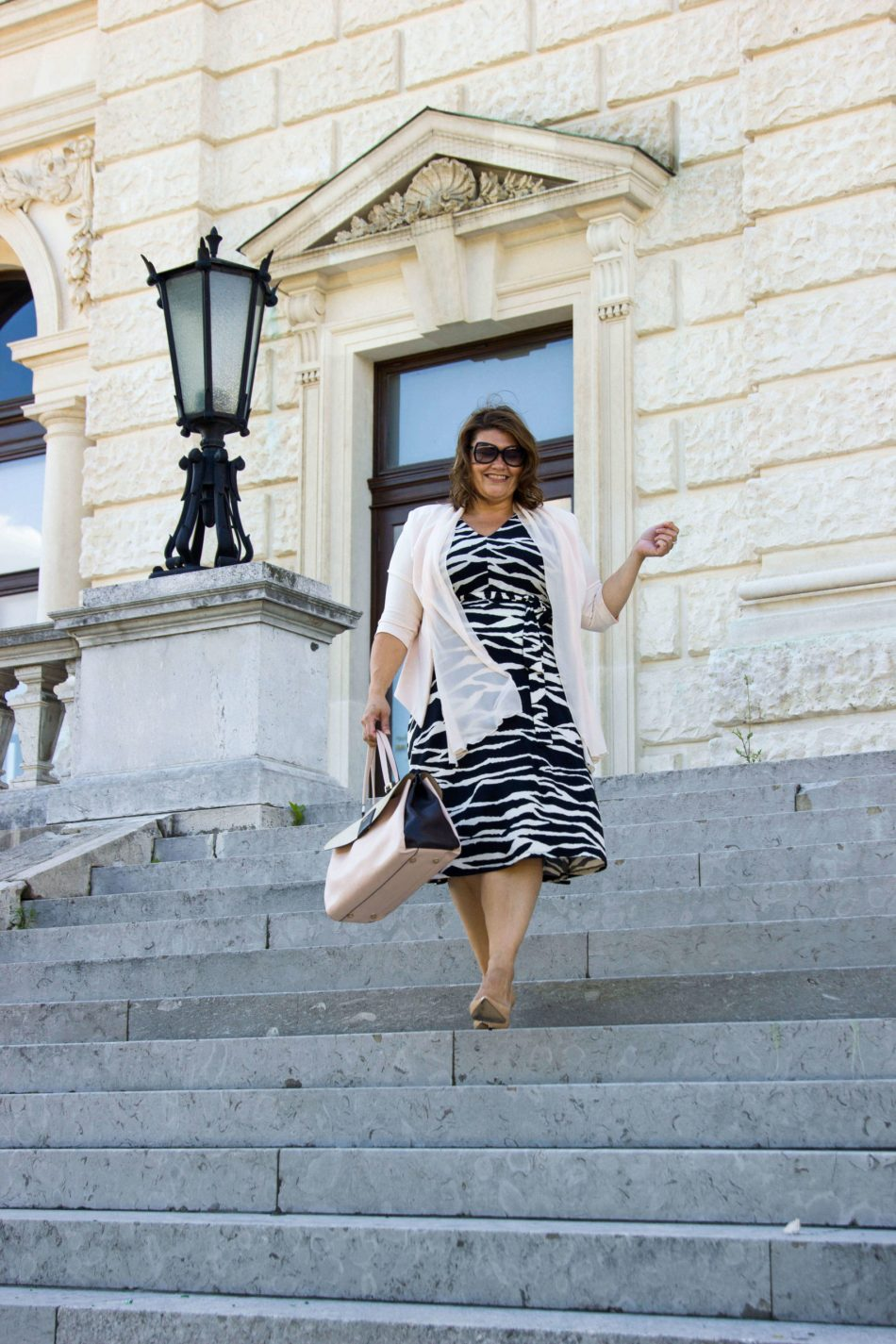 Curvy Business-Look in Zebra Print kardiaserena Outfit Plus Size Fashion