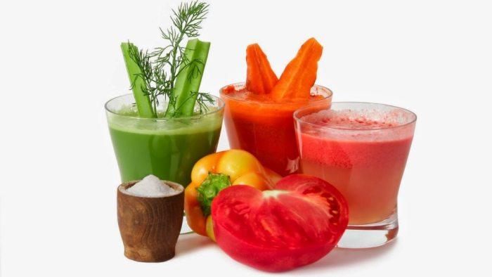 свежевыжатые соки и фрукты при анемии