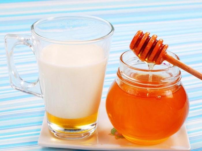 Сода с мёдом и молоком