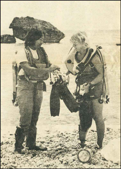 Newly certified divers Jack Sigrah and Karen Davis. Photo by Ron Strong originally appeared in the Pacific Daily News on March 13, 1978.