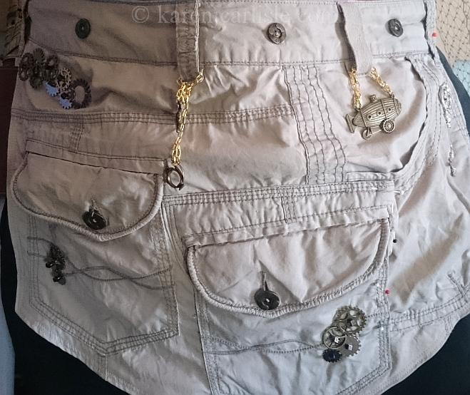 8c large pockets
