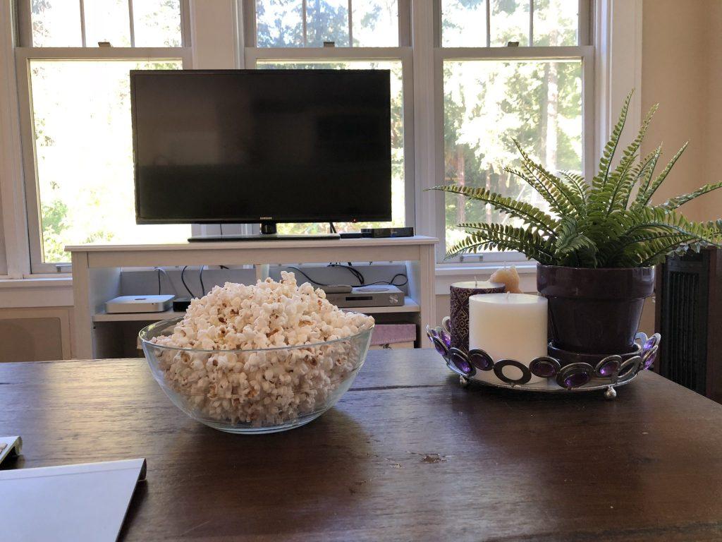 Popcorn and TV, Might and Main Monday: Tackling Procrastination, Karen Hugg, https://karenhugg.com/2018/08/12/procrastination #procrastination #writing #tasks #work