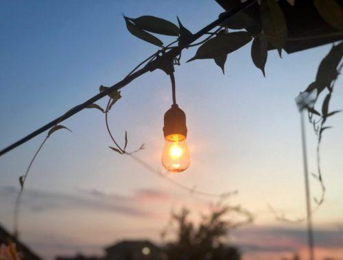 Lightbulb, Might and Main Monday: Outlook on Failure, Karen Hugg, Photo by Drew Thomas, https://karenhugg.com/2018/09/17/failure/ #ThomasEdison #failure #rejection #writing #books