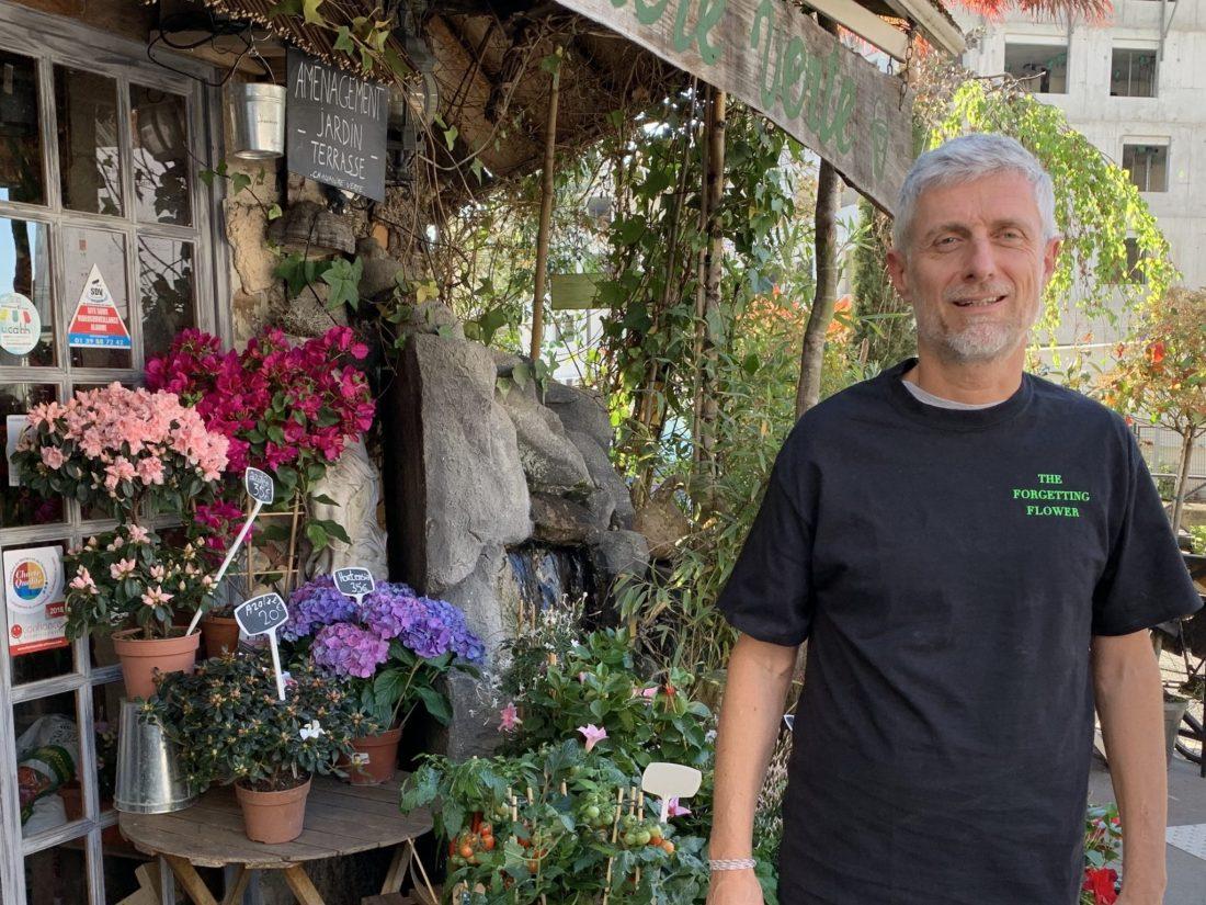 Pierre T-shirt Paris, Where in the World is The Forgetting Flower T-shirt? Paris! Karen Hugg, https://karenhugg.com/2019/06/17/t-shirt-paris/ #books #Paris #France #TheForgettingFlower #T-shirt #French #thrillers #literary #Pierre