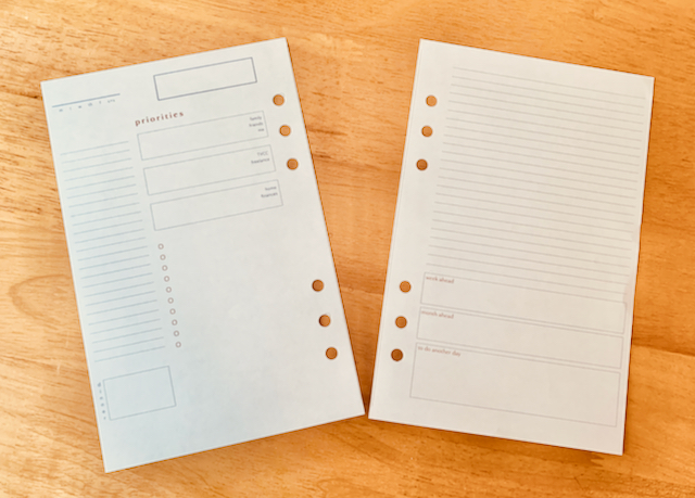 Medium size 6-ring binder pages with space for appointments, priorities, and tasks.