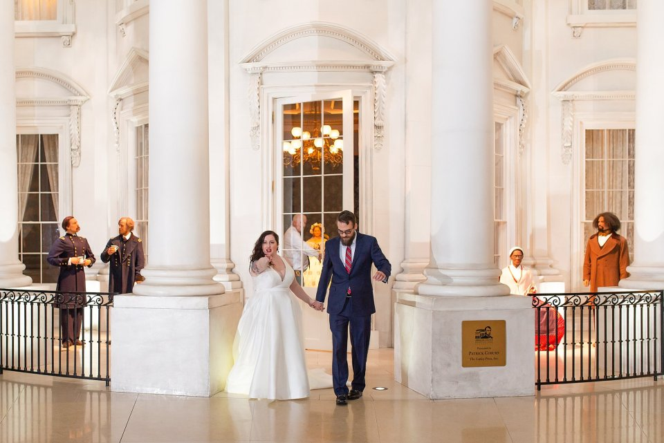 White House Replica at Abraham Lincoln Museum Wedding in Springfield by Karen Shoufler