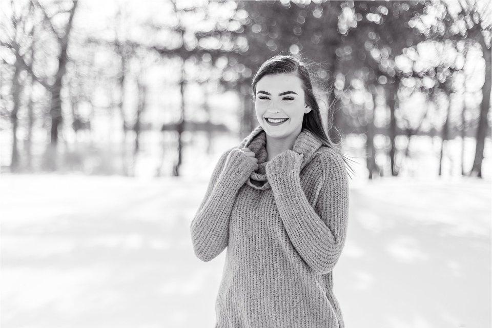 Senior girl in Illinois Winter Snow