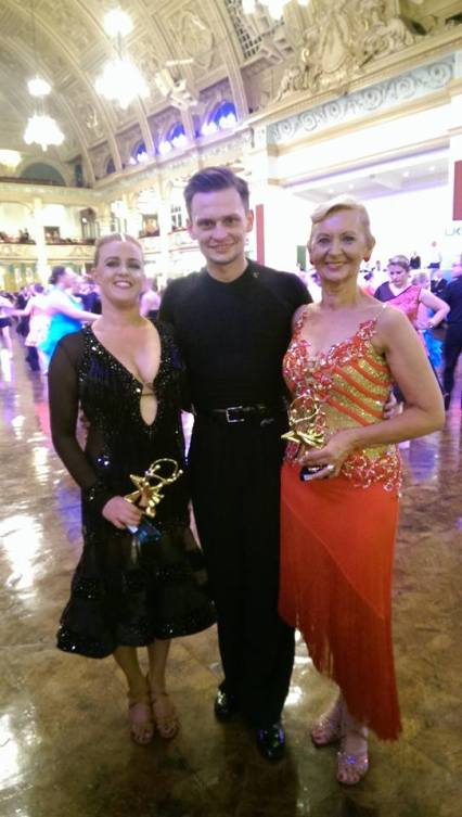 Wojtek with his ladies - Elaine (1st place!) and Mary (3rd place!)