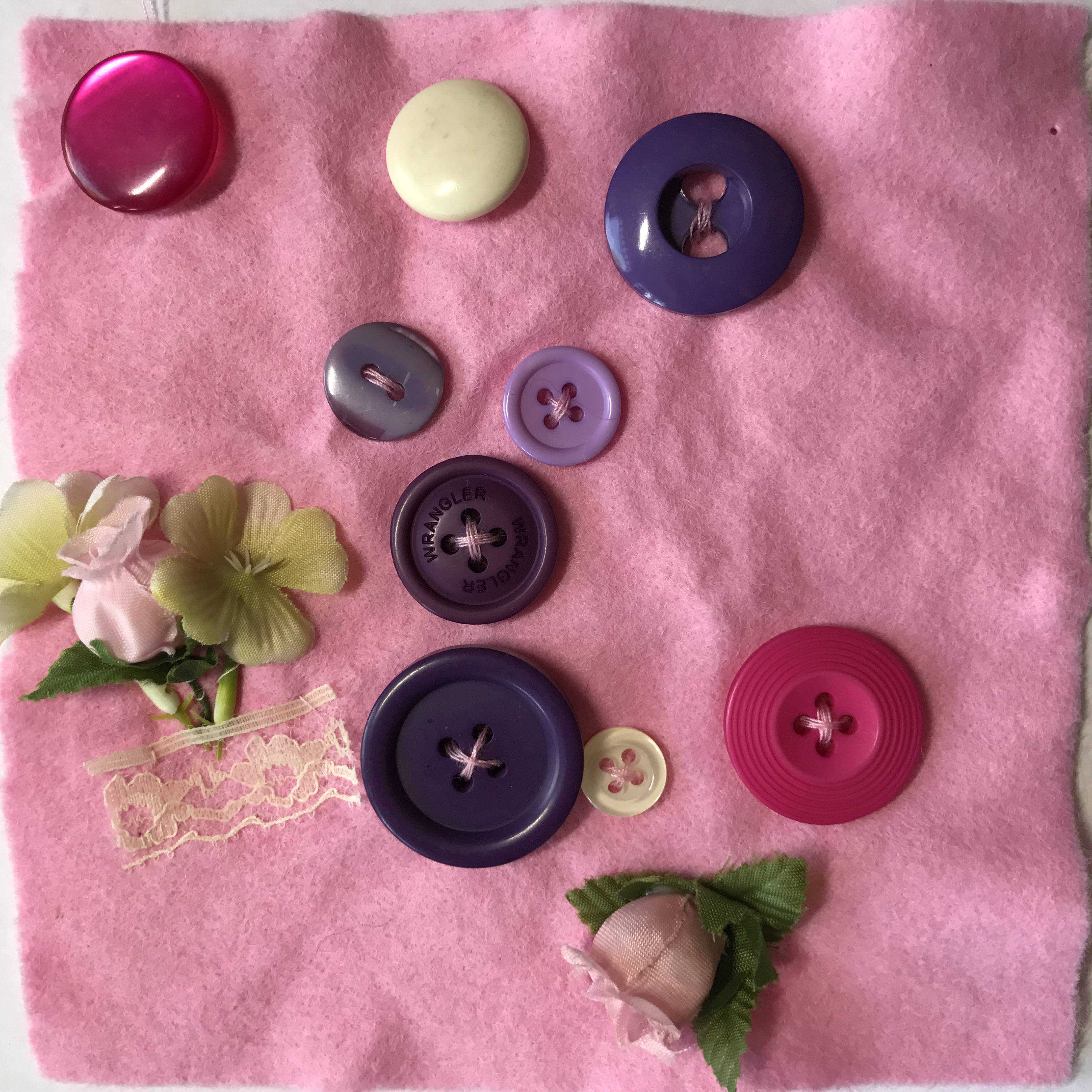 pink buttons2