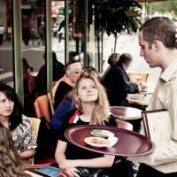 Kako je to biti konobar u Sarajevu? Šta se krije iza šanka?