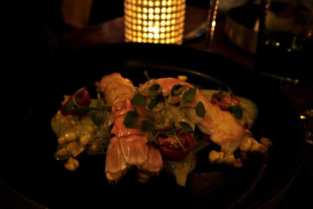 Raviole ouverte langoustine crabe Emulsion basilic thaï | Huile pimentée Oh lala la sublime raviole les saveurs thaï associés à la savoureuse langoustine. Excellent.
