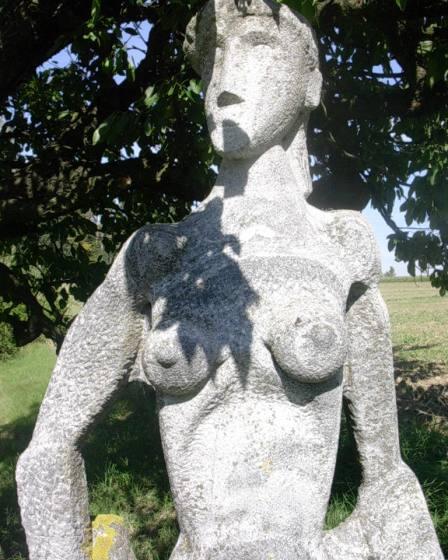 (c) Karl Baumann 2007: Skulptur im Kunstgarten Alfred Kurz, Wietzen im September, Nikon SQ