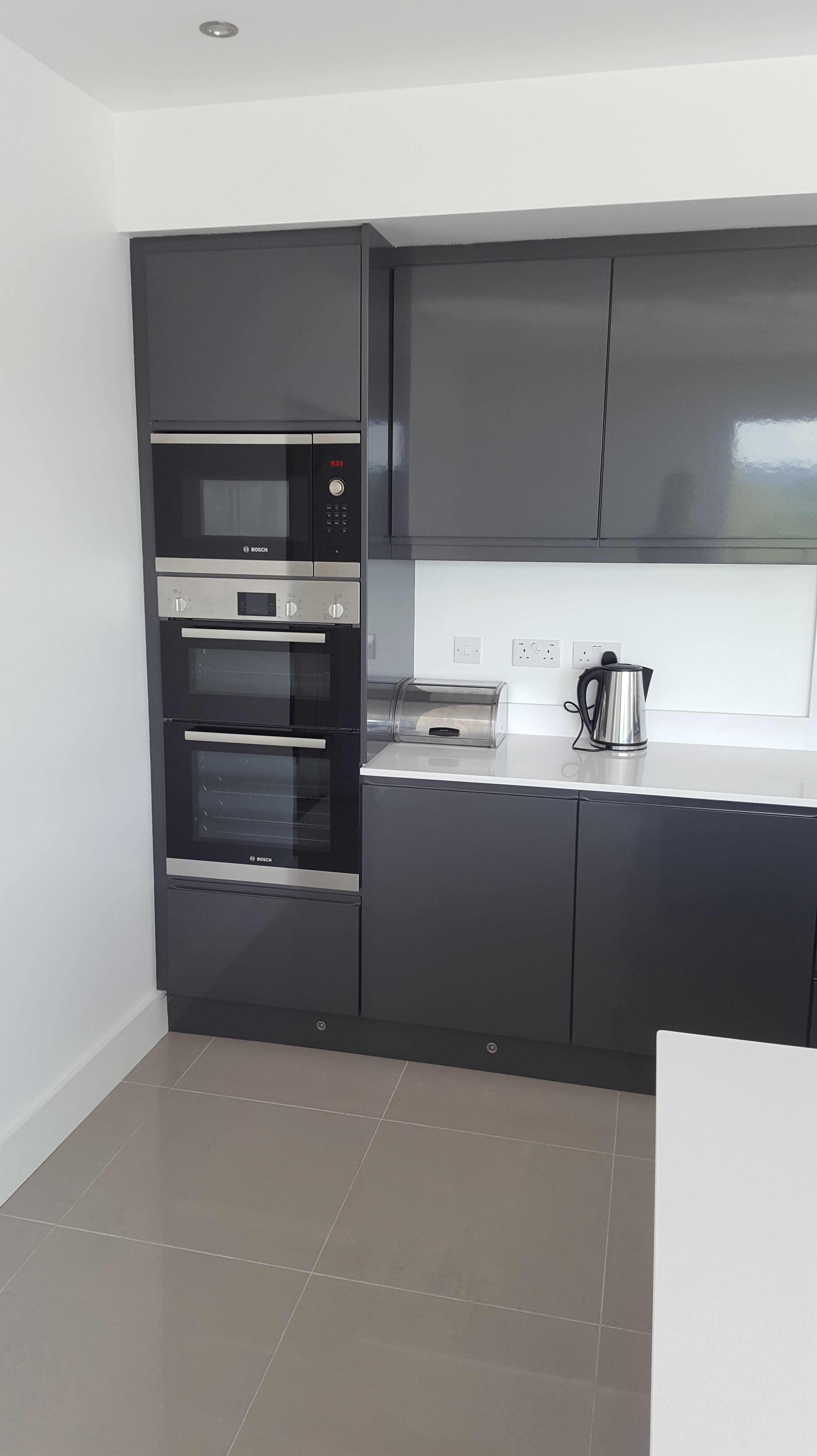 High Gloss Anthracite Handless Kitchen Karl Cullen