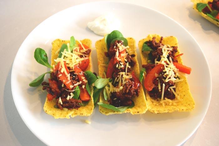 taco tubs with homemade taco seasoning mix- Karlijnskitchen.com