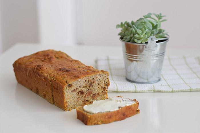 low FODMAP carrot cake bananenbrood - karlijnskitchen.com