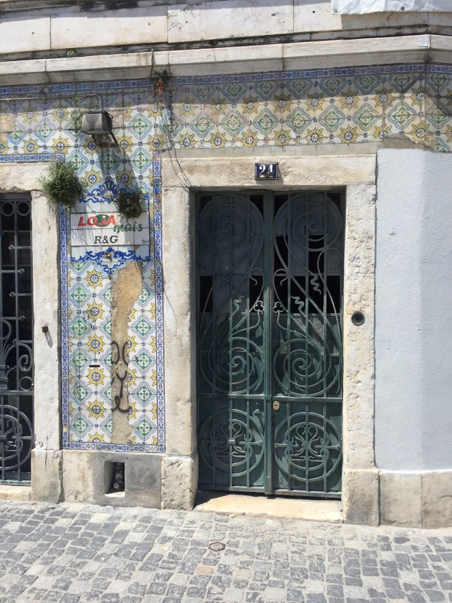 Starting our Lisbon Itinerary in Alfama
