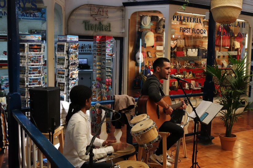 Live Music we discovered playing inside El Mercadillo, Lanzarote