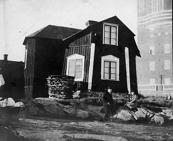 Kvarnen och vattentornet på Kvarnberget, historiska siluetter på Karlstadhimlen