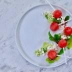 Vattenmelon med fetaost, bonito och örtolja