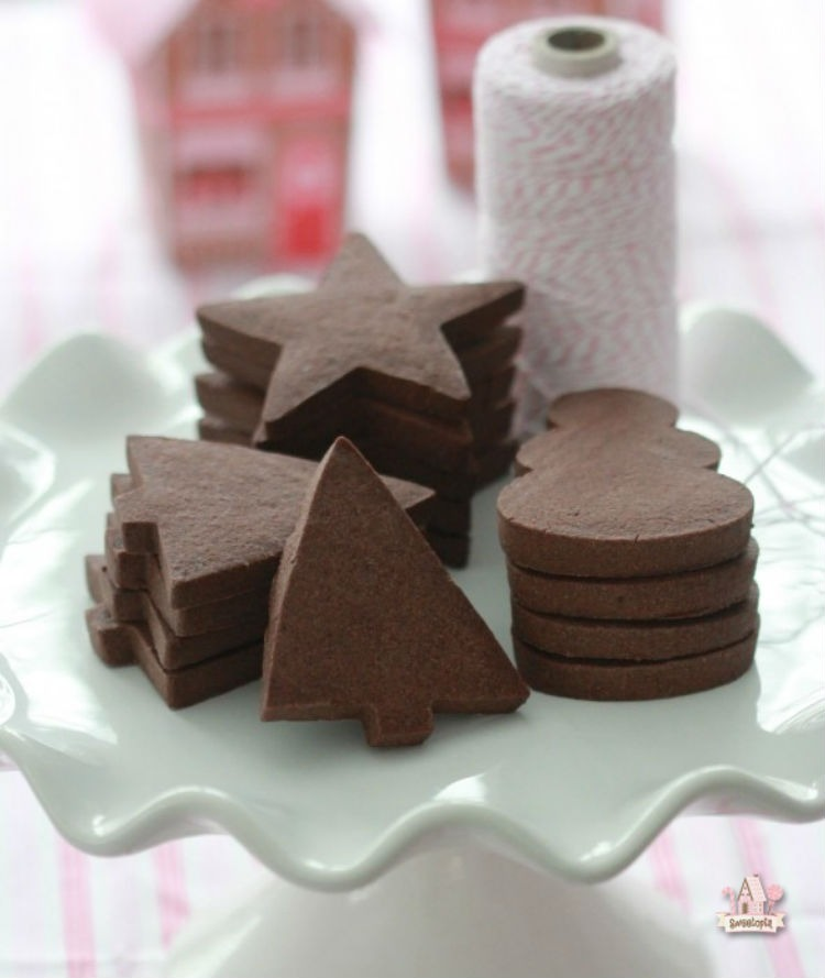 Chocolate-Sugar-Cookie-Recipe1-590x699
