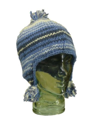 Fully fleece-lined knitted hat with bobbles.