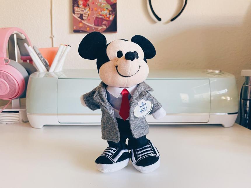 Disney nuiMOs Cast Member name tag
