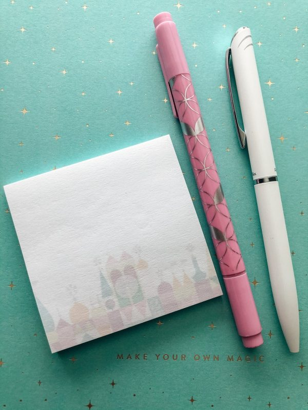 its a small world notepad