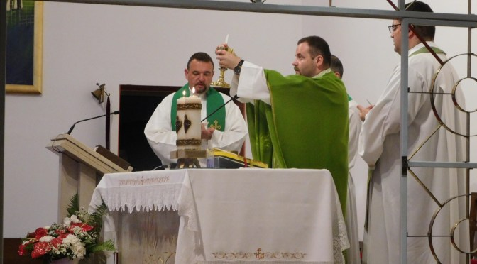 Svećenička zahvala u Svetištu Kraljice Karmela
