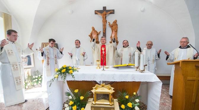 Relikvija stopala sv. Terezije Avilske u Karmelu u Kloštar Ivaniću