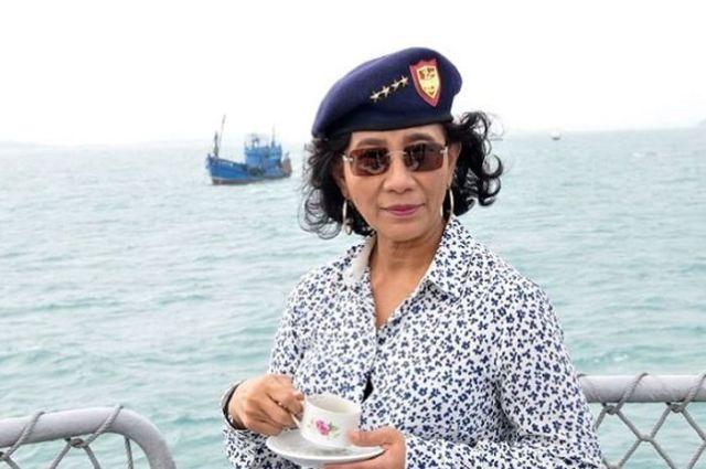 susi Pudjiastuti, Menteri Kelautan dan Perikanan, Menteri KKP, Laut Natuna, Kapal China masuk Indonesia