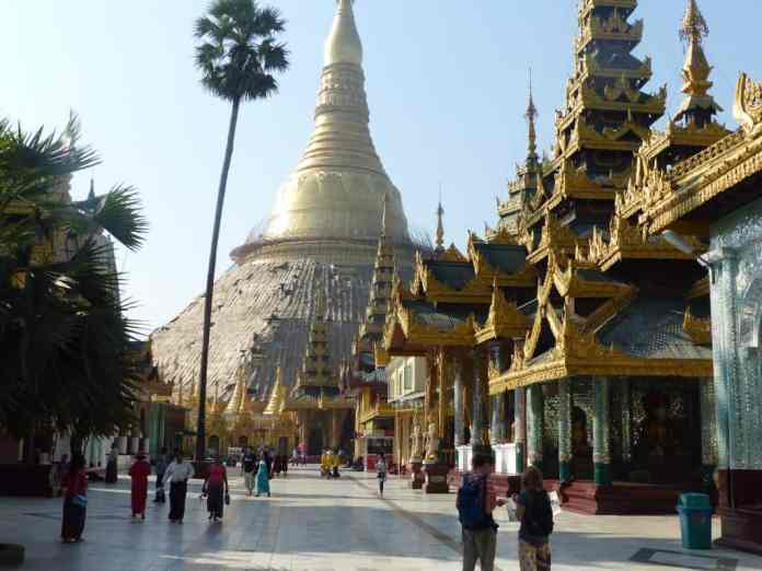 Shwedagon Pagoda by Where's Sharon