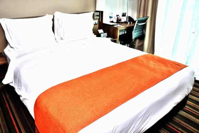 Best hotel Singapore king size bed
