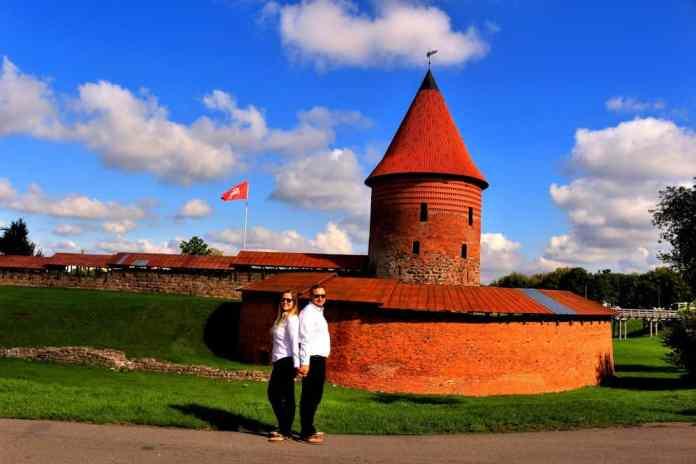 Kaunas old town couple