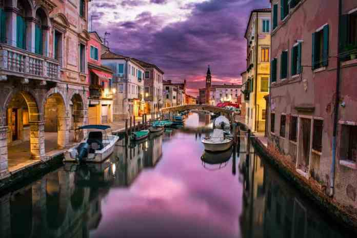canals colorful venice